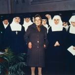 Sara Noris, mamma della beata, tra le suore di clausura di Bergamo che hanno effettuato la ricognizione della salma di Pierina Morosini
